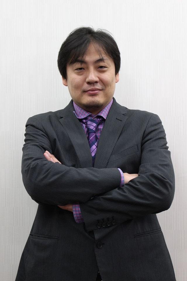 5周年記念大会本戦解説者_鈴木たろうさん_640